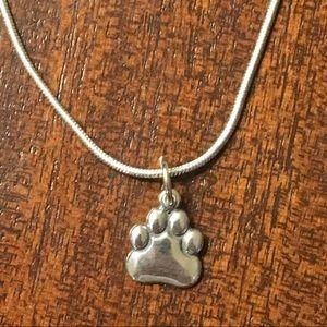 Adorable NWOT sterling dog 🐶 paw 🐾 pendant!
